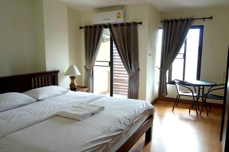 チェンマイ 3,000円以下 格安快適ホテル ゲストハウスアパートメント キレイ清潔