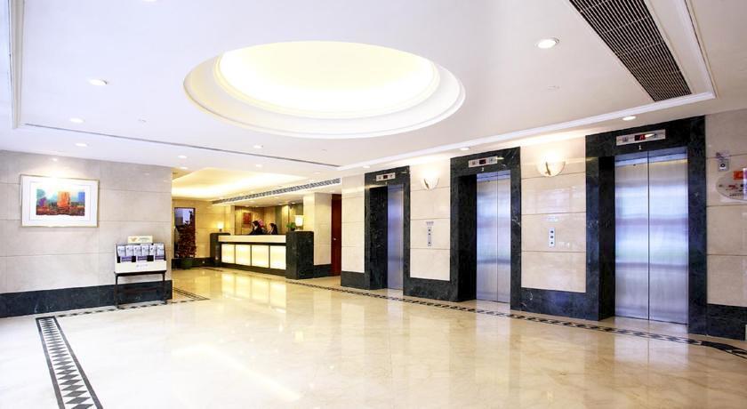 香港で1万円以下 ホテル ツインダブルルーム コスパ良し 立地人気