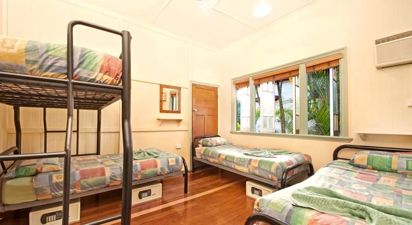 Gilligan's Backpacker Hotel & Resort Cairns0