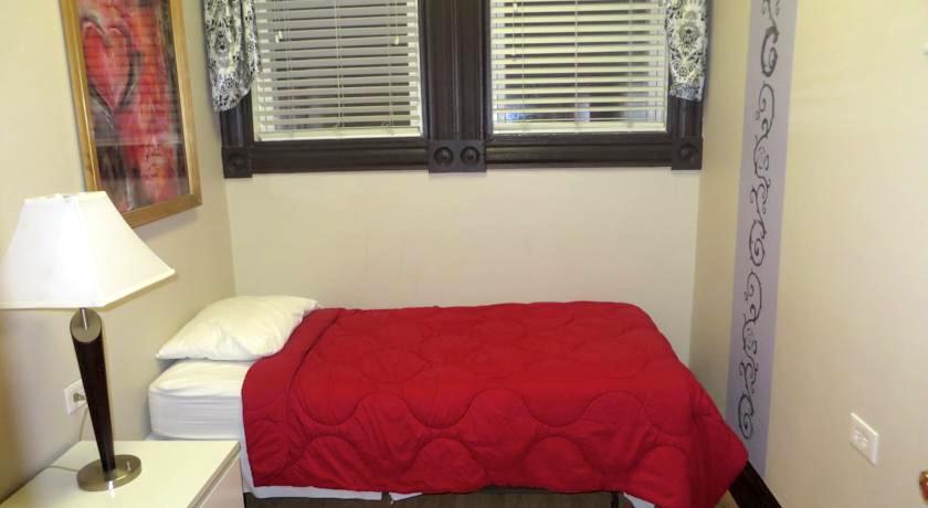 シカゴ 1万円以下 格安ホテル ダブルルームツインルーム シングル オススメ人気清潔キレイ