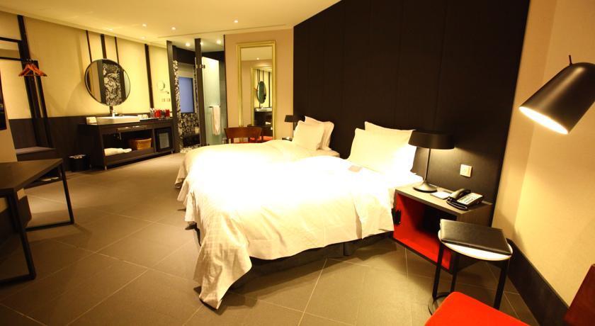 高雄1万円以下 格安ホテル ダブルルームツインルーム シングル オススメ人気清潔キレイ