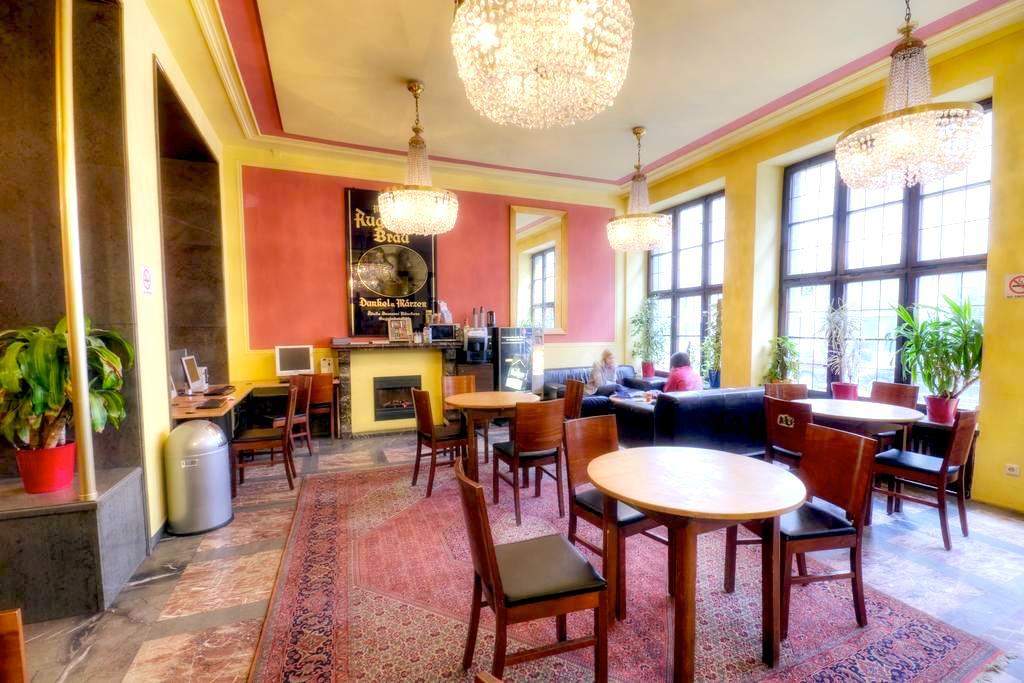 ミュンヘン ドミトリー ゲストハウスホステル 人気清潔キレイ安い格安