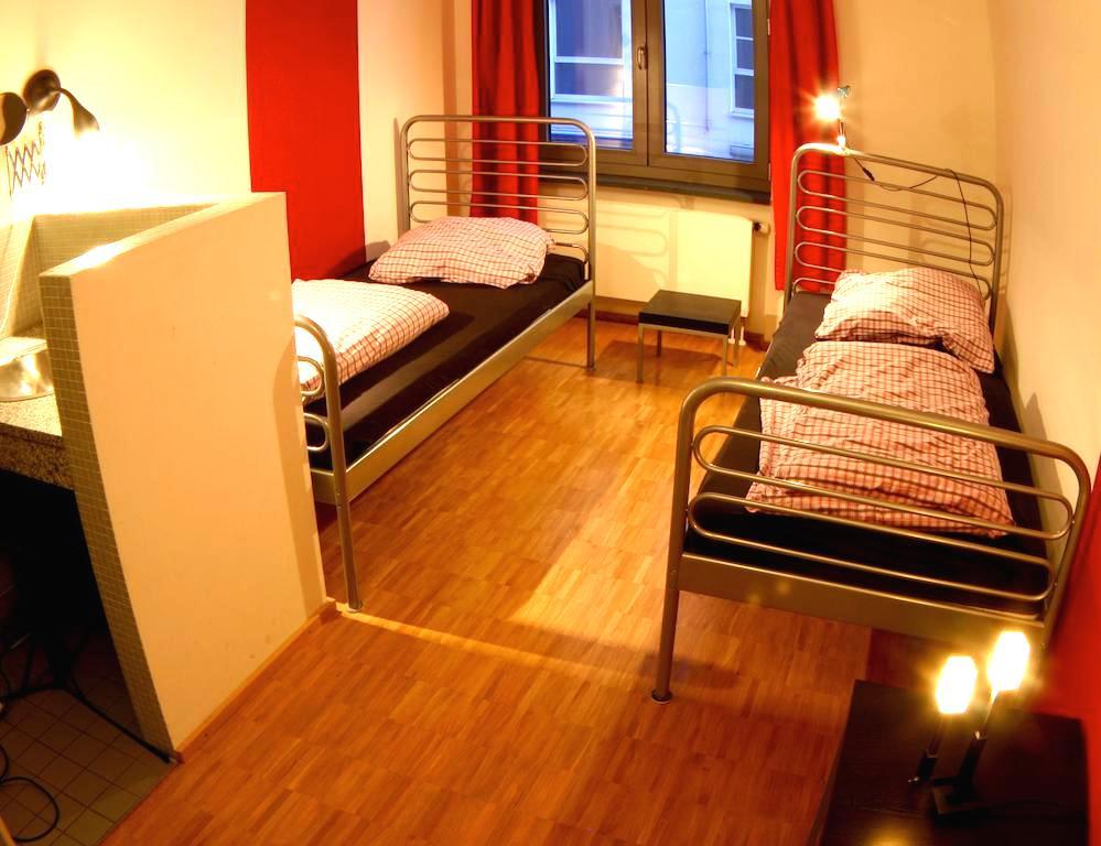 ベルリン ゲストハウス ホステル 格安人気シングルルーム